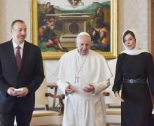 Для чего Папа Франциск едет в Азербайджан?