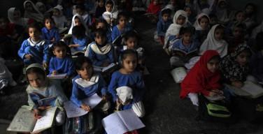 В Пакистане школьников учат, что христиане — низшая социальная группа