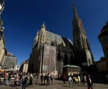 Растет количество беженцев-мусульман, желающих креститься в католических храмах Австрии