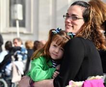 Святейший Отец поздравил матерей с их праздником