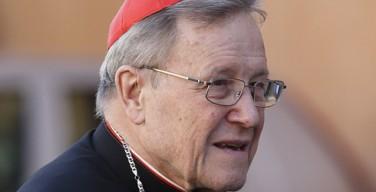 Соратник Папы считает вопрос о возможности получения женщинами сана диакона противоречивым
