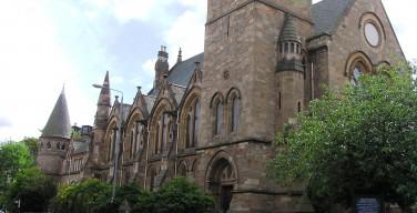 Пресвитерианская церковь Шотландии дала зеленый свет служителям-геям