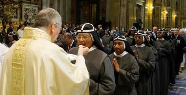 Кардинал Паролин: единство между людьми способствует экуменизму