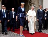 Папа Франциск поприветствовал поляков в Вавеле