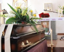 В Бишкеке прошли похороны епископа Николая Мессмера