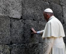 Папа Франциск посетил бывший концлагерь в Освенциме
