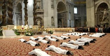 Почему священники не приносят обета нестяжания?
