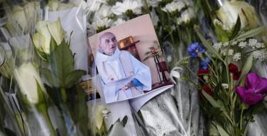 Похороны отца Жака (фото)
