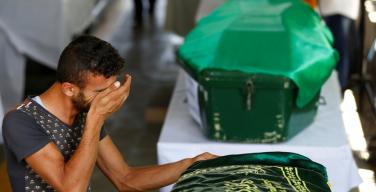 Папа Франциск молится о жертвах кровавых терактов в Турции