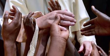 Папа сделал пожертвование на борьбу с голодом в Лесото