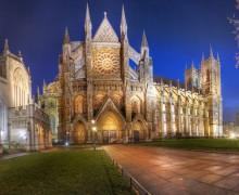Собор и аббатство в Вестминстере подсветят красным в знак солидарности с христианами Ближнего Востока