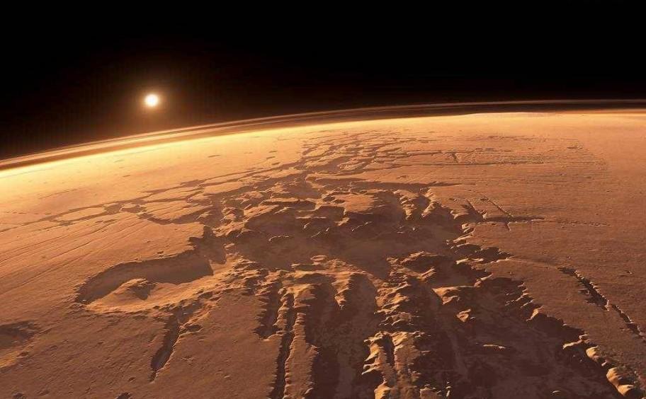 Учёные нашли на поверхности Марса ледники