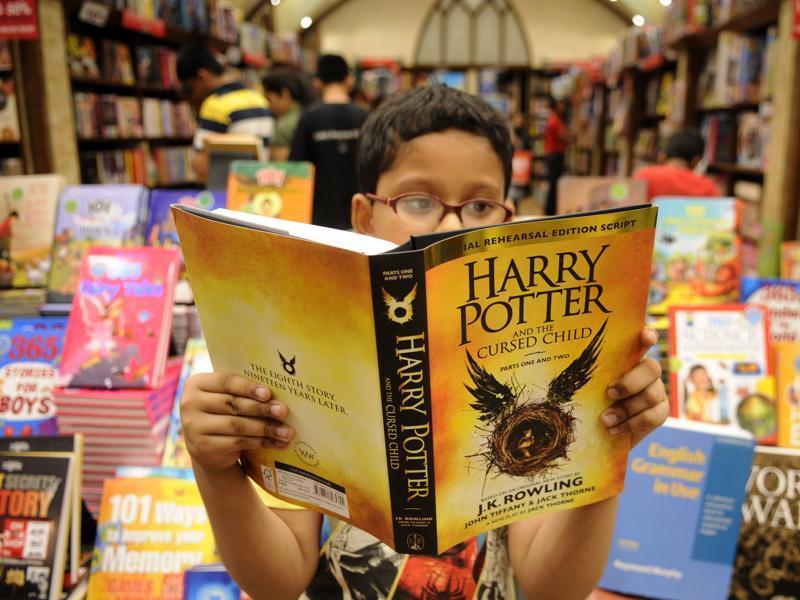 В Британии новая книга о Гарри Поттере стала популярнее Шекспира
