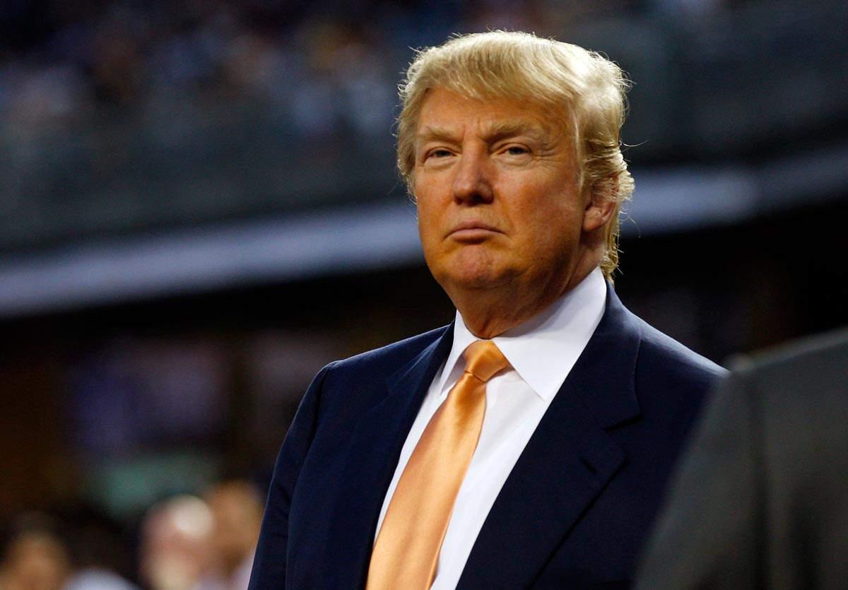 Дональд Трамп поручил помощникам не комментировать болезнь соперницы