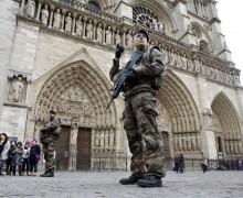 СМИ: Рядом с Собором Парижской Богоматери исламисты могли планировать теракт