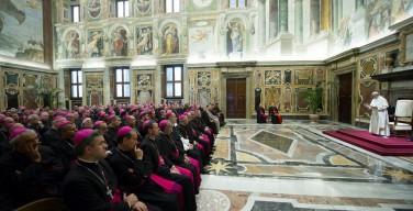 Папа: «блуждающее духовенство» — болезнь нашего времени