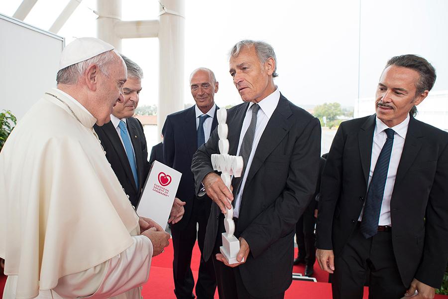 Всемирный конгресс кардиологов. Папа: через ваши руки проходит пульсирующий центр человеческого тела
