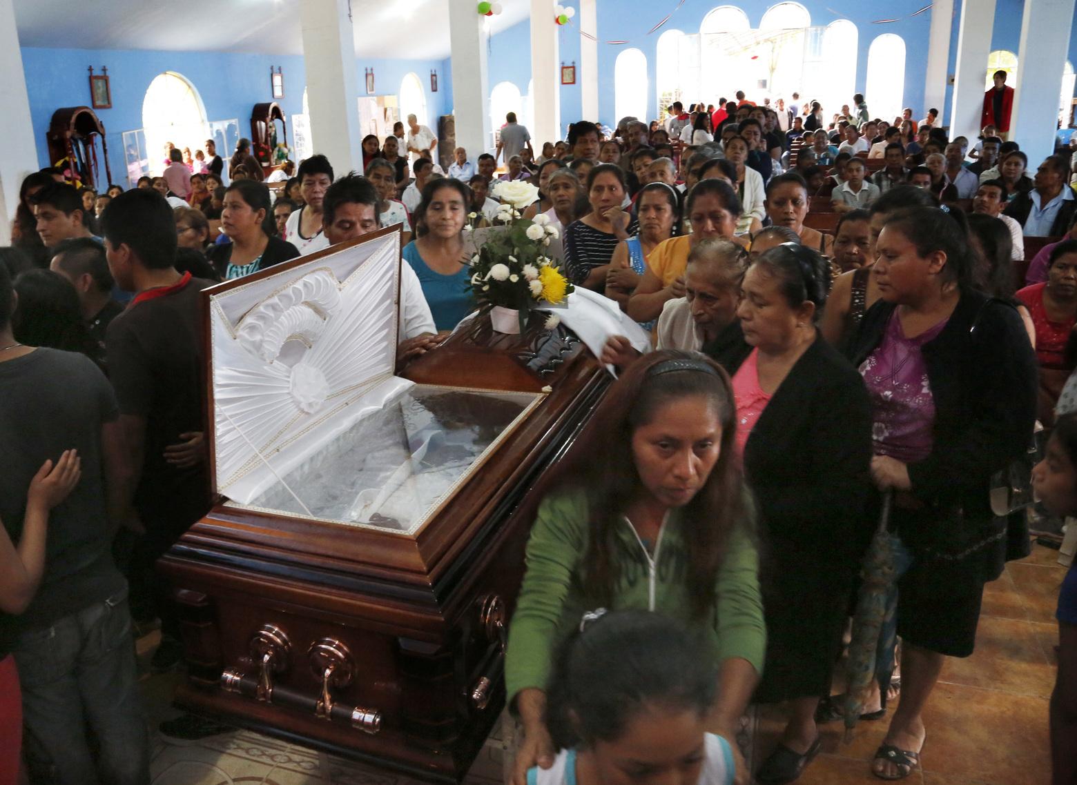 Angelus 25 сентября. Папа молится о Мексике