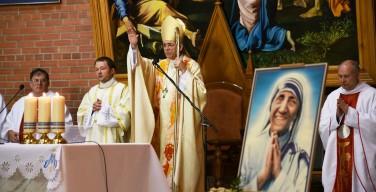 Богослужение, посвященное святой Терезе Калькуттской, прошло в Кафедральном соборе Новосибирска