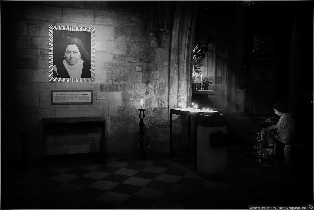 Гробница Св. Терезы из Лизье
