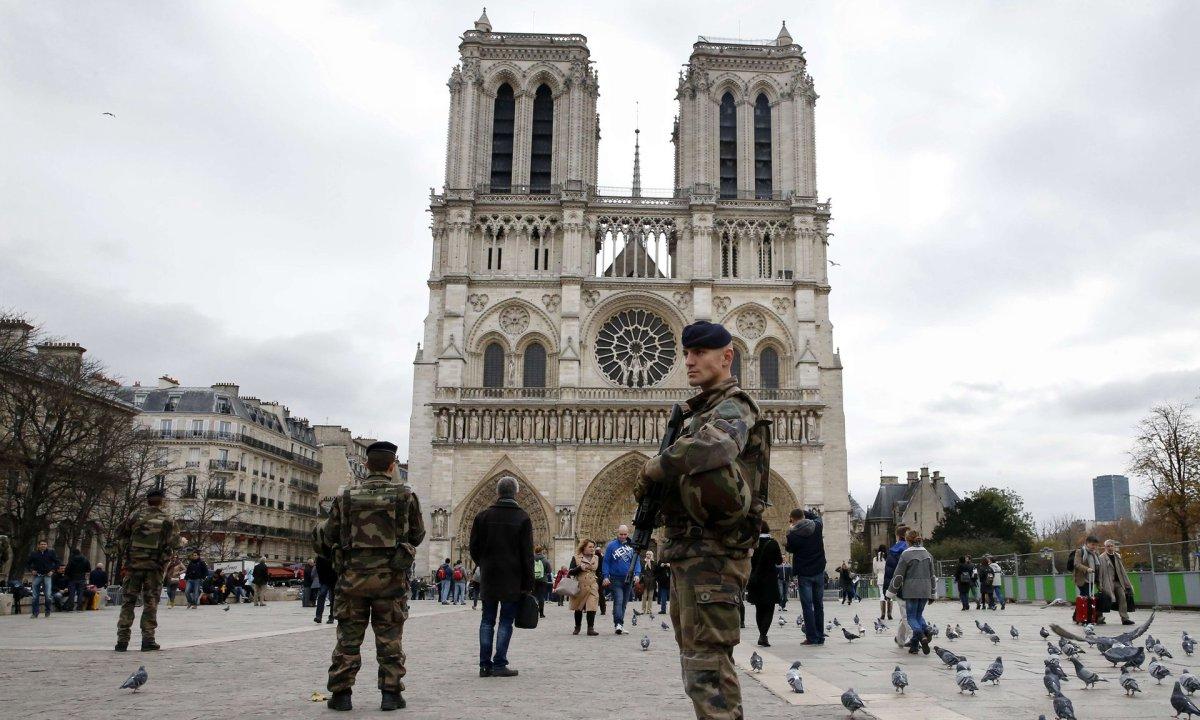 Около 15 тыс. человек во Франции поддались влиянию джихадистов