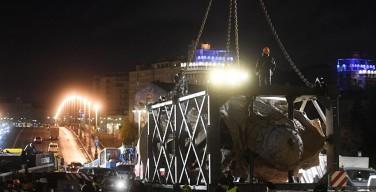 В Москве начали устанавливать памятник князю Владимиру