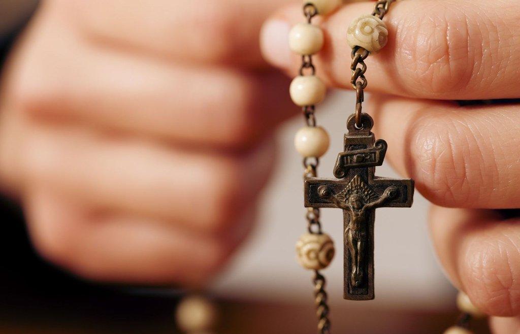 В Католической Церкви продолжается месяц молитвы на Розарии