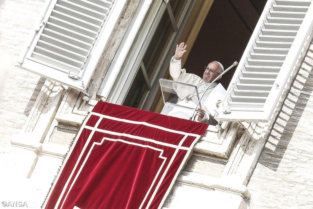 Angelus 23 октября. Папа: «Сегодня — время миссии и отваги!»