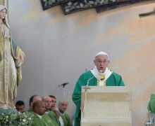 «Angelus» в Баку. Папа призвал азербайджанских католиков идти бесстрашно вперед (ФОТО)