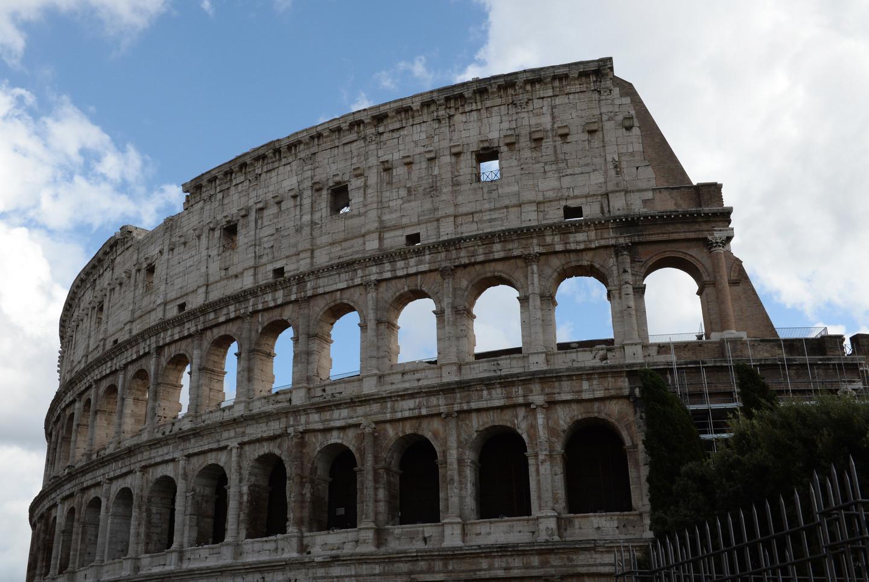 В результате землетрясения в Италии пострадали Колизей и Пантеон