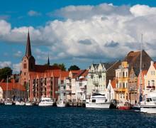 Датчанка заплатит штраф за то, что помешала беженцу изнасиловать себя