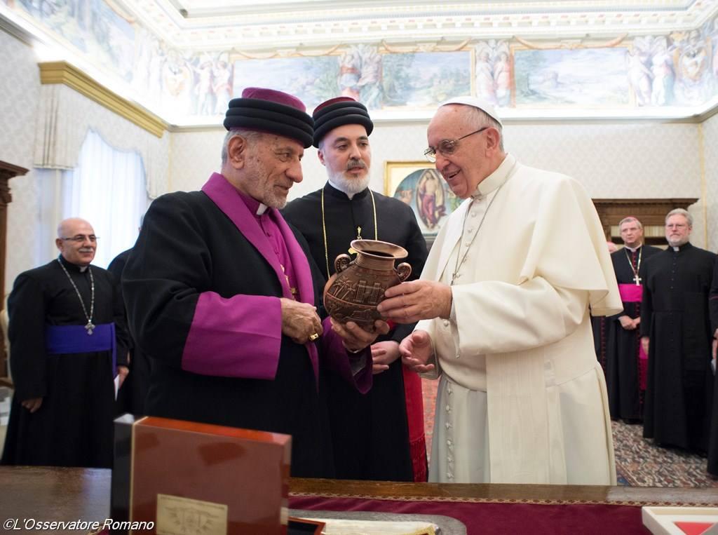Папа встретился с Патриархом Ассирийской Церкви Востока