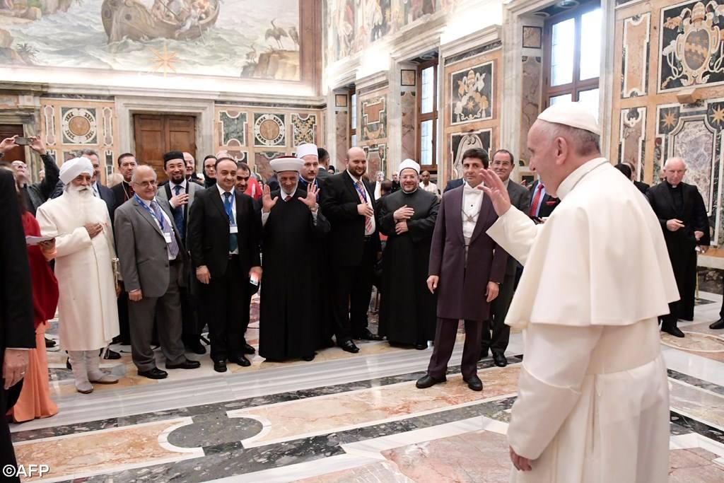 Папа: призывать имя Бога ради оправдания насилия и терроризма — ужасно