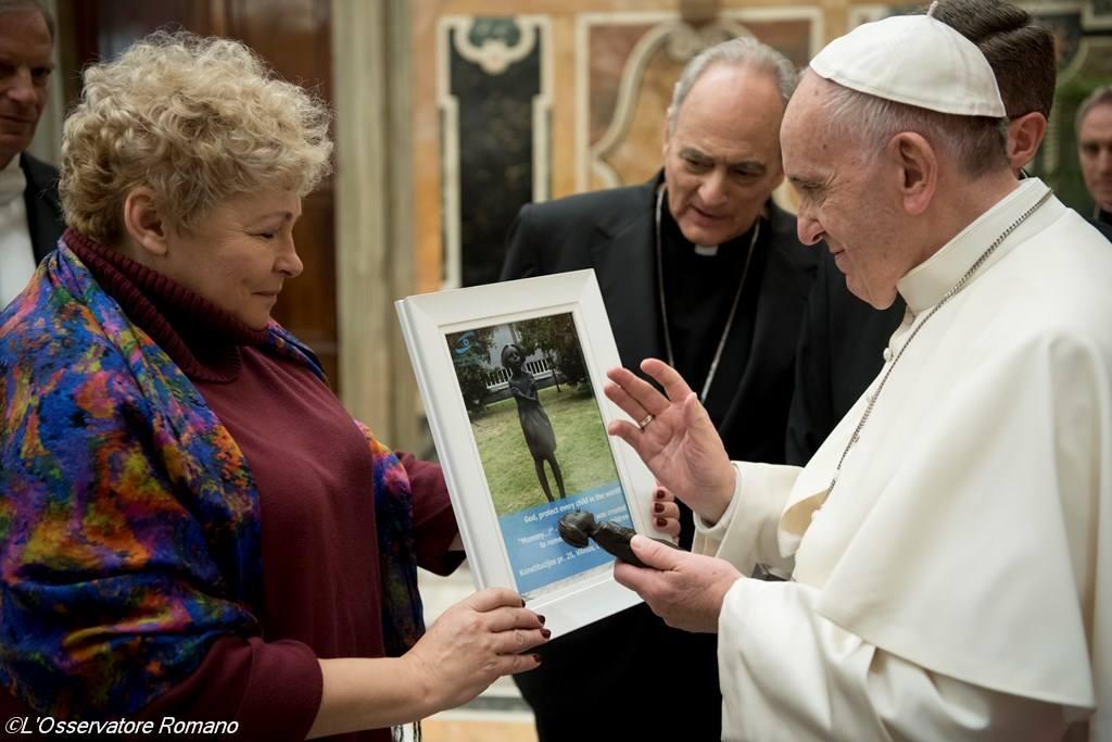 Папа: торговля людьми — это преступление против человечества