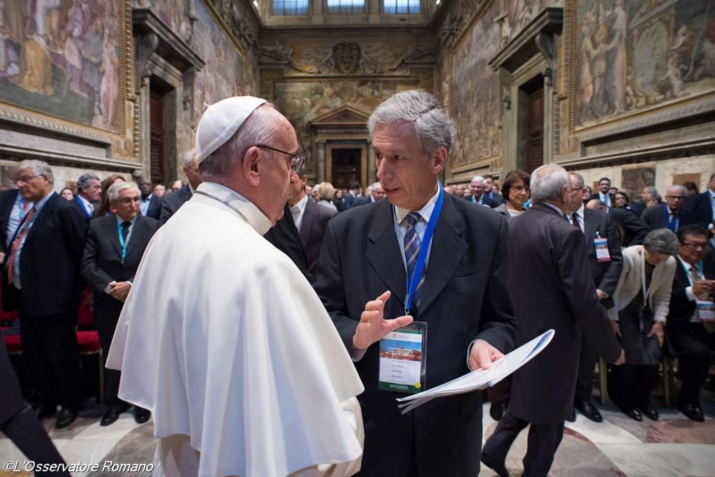 Папа: бизнес как упражнение в милосердии