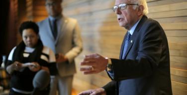 Демократ Берни Сандерс согласился работать с республиканцем Трампом