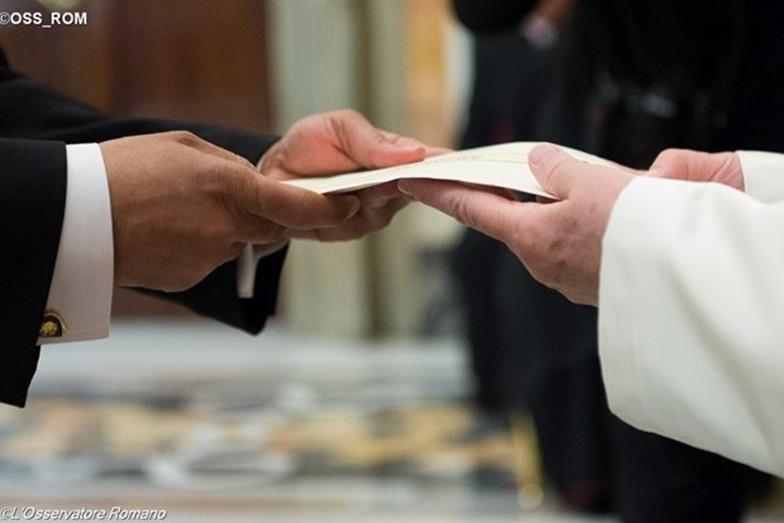 Папа: путем ненасилия можно достичь важных результатов на общественно-политическом уровне