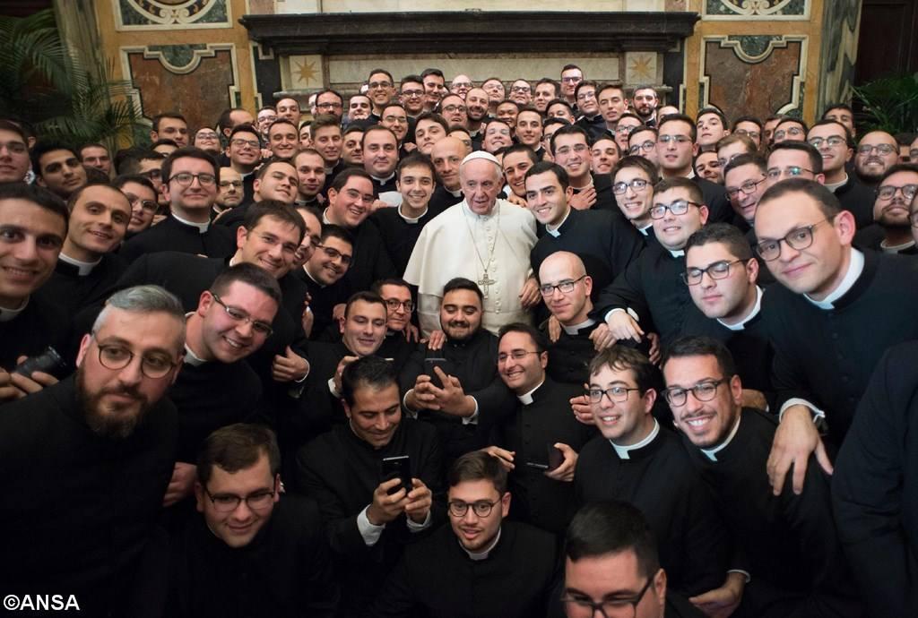 Папа — семинаристам: будьте открытыми людьми со взглядом Иисуса
