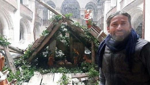 В Алеппо на развалинах церкви художник создал Пещеру Рождества