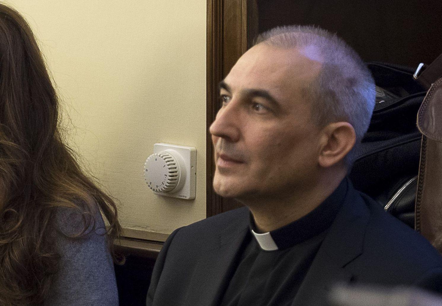 Папа Франциск помиловал монс. Лусио Бальду, осужденного за утечку документов Ватикана