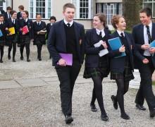 Многие британские школы внедряют игровое изучение основ христианства