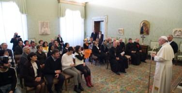 Папа принял в Ватикане делегацию католиков из Грузии
