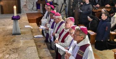 «Из глубины взываю к Тебе, Господи!». Швейцарские епископы попросили прощения за случаи сексуального насилия духовенства