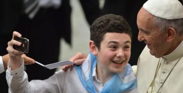 Папа — итальянским детям: заражайте мир радостью Божьей любви