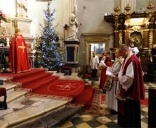 650-летний юбилей армянской общины Польши начался со службы в кафедральном соборе Кракова