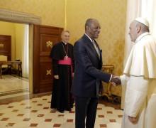 Папа Франциск и президент Гвинеи обсудили проблемы мира и миграции