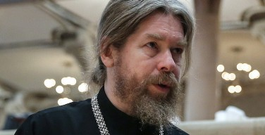 Ленина захоронить надо, но главное — не навредить, заявляют в РПЦ