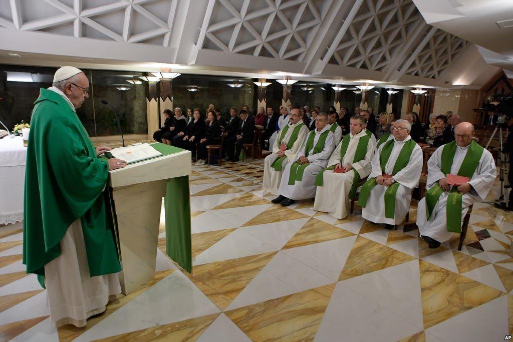 Папа: поклоняться Иисусу и следовать за Ним, единственным Спасителем