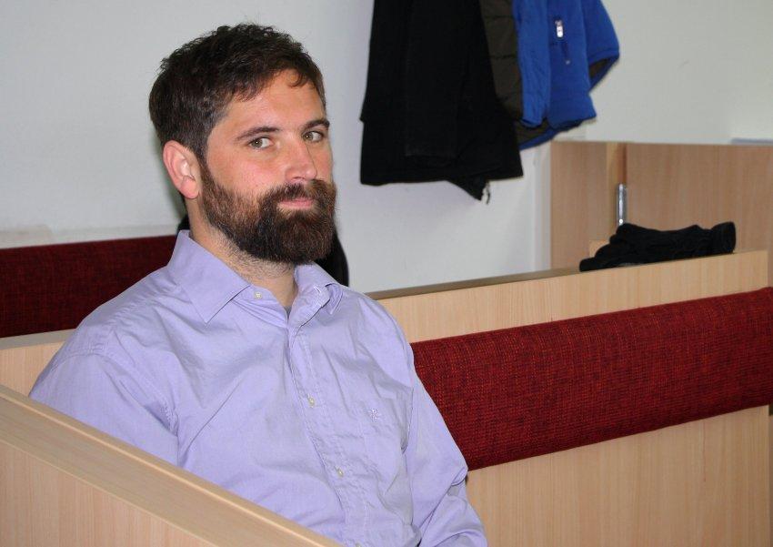Суд в Германии оштрафовал художника, который отжался на алтаре