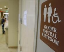 Трамп отменил правила Обамы о выборе школьных туалетов трансгендерами